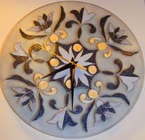 Часы в стиле делфтского фарфора